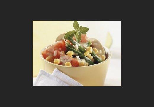 Рецепты постных блюд: салат из помидоров черри и кукурузы