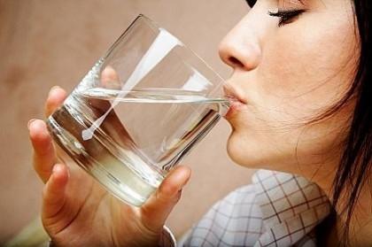Самые полезные и самые вредные способы утолить жажду